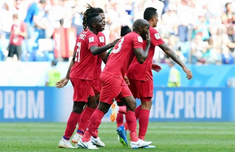 selecao-do-panama-recebe-medalha-por-participacao-na-copa-do-mundo-Futebol-Latino-26-06