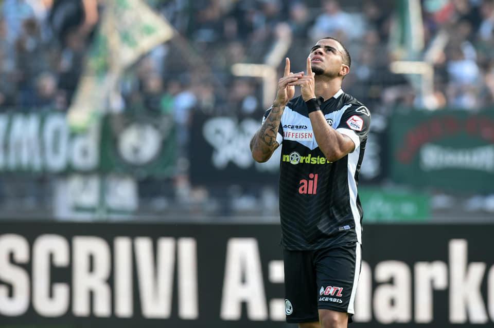 carlinhos-tem-meta-fixada-com-a-artilharia-do-campeonato-suico-Futebol-Latino-25-12