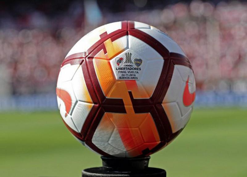 cronica-fl-que-a-bola-rolando-volte-a-ficar-em-primeiro-plano-Futebol-Latino-07-12