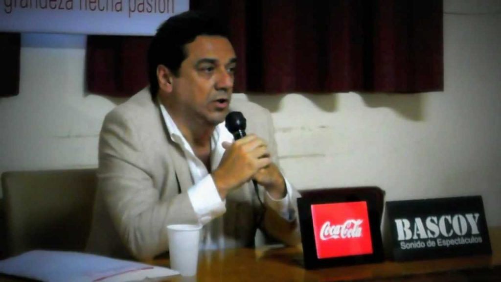 huracan-mostra-indignacao-com-saida-de-gustavo-alfaro-Futebol-Latino-25-12