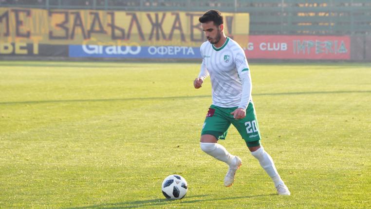 ex-furacao-matheus-leoni-conta-sobre-adaptacao-ao-futebol-da-bulgaria