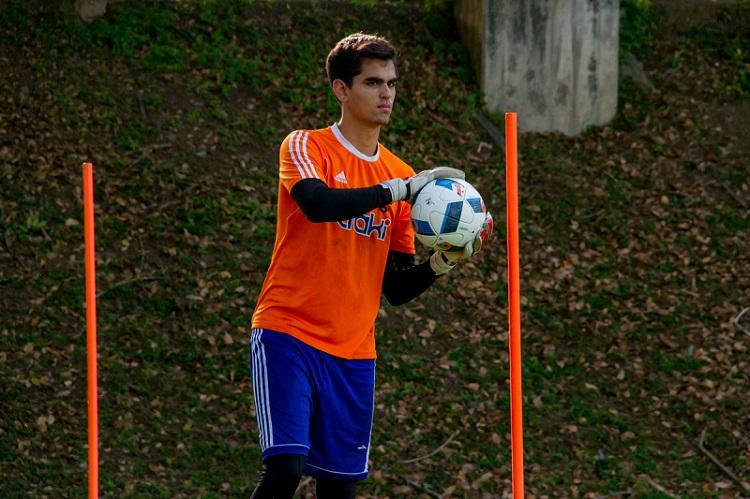 jovem-goleiro-venezuelano-se-torna-ultimo-reforco-do-racing-Futebol-Latino-01-02