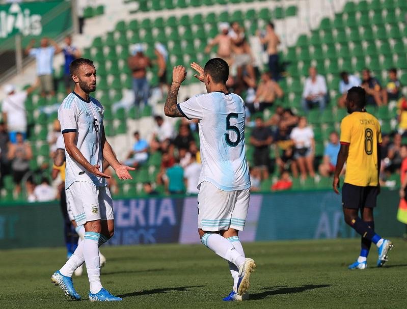 Argentina-Equador-amistoso-Futebol-Latino-Lance-1-13-10