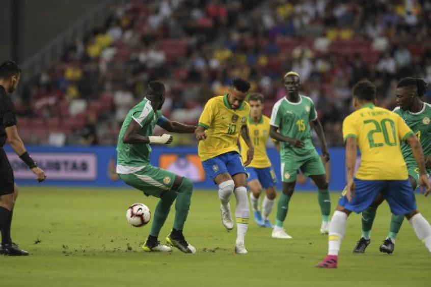 Brasil-Senegal-amistoso-Futebol-Latino-Lance-10-10