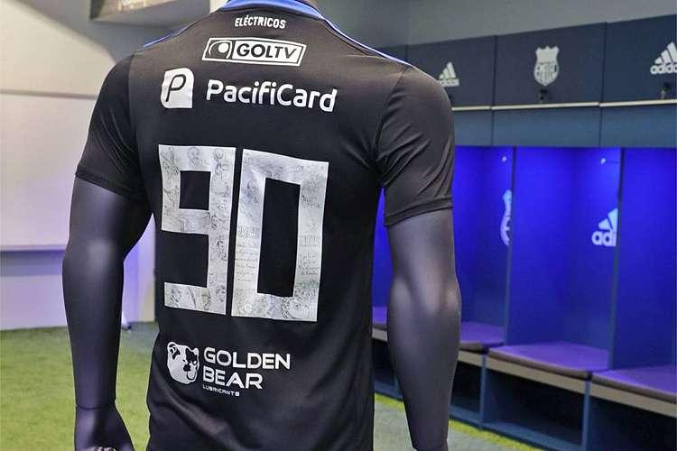 camisa-do-emelec-pode-inspirar-futuro-uniforme-de-clube-brasileiro-Futebol-Latino-18-10