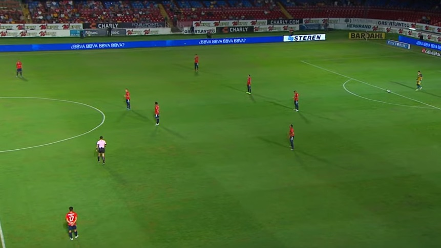no-mexico-equipe-protesta-por-dividas-cruzando-os-bracos-em-jogo-Futebol-Latino-19-10