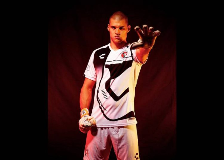 clube-no-mexico-fara-homenagem-a-star-wars-em-uniforme-Futebol-Latino-1-08-11