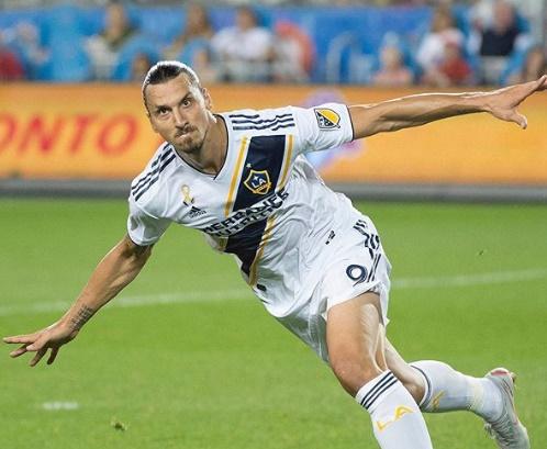 dirigente-de-clube-italiano-comenta-chance-de-contratar-ibrahimovic-Futebol-Latino-04-11