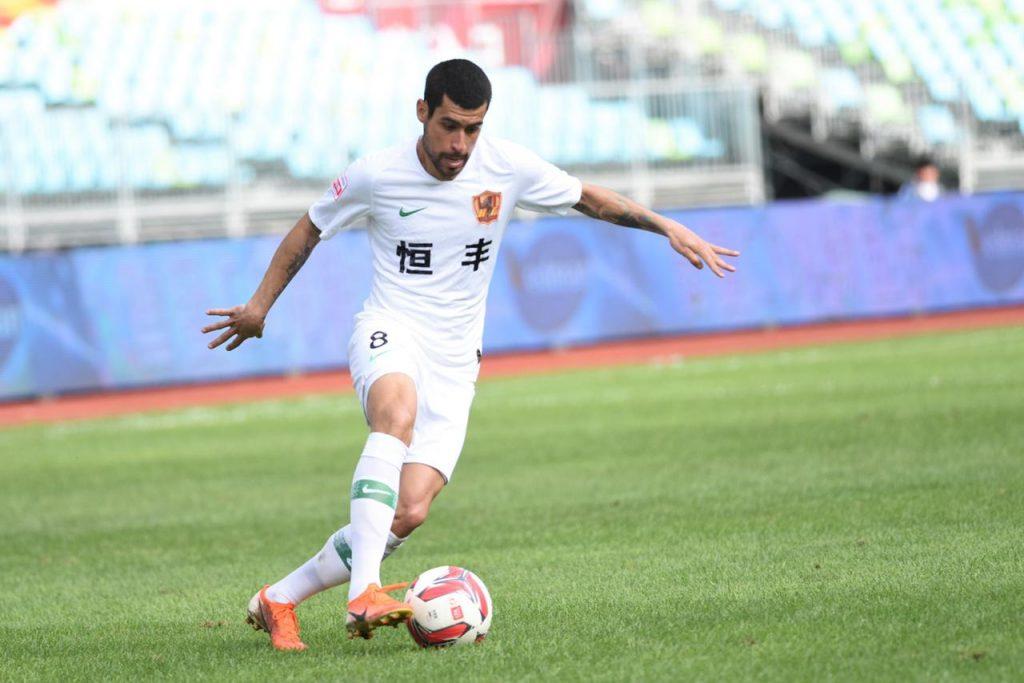 meia-ex-sao-paulo-e-escolhido-para-a-selecao-do-campeonato-na-china-Futebol-Latino-16-11