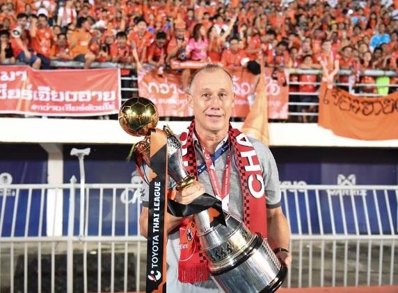mesmo-com-titulo-treinador-brasileiro-nao-renova-com-equipe-na-asia-Futebol-Latino-13-11