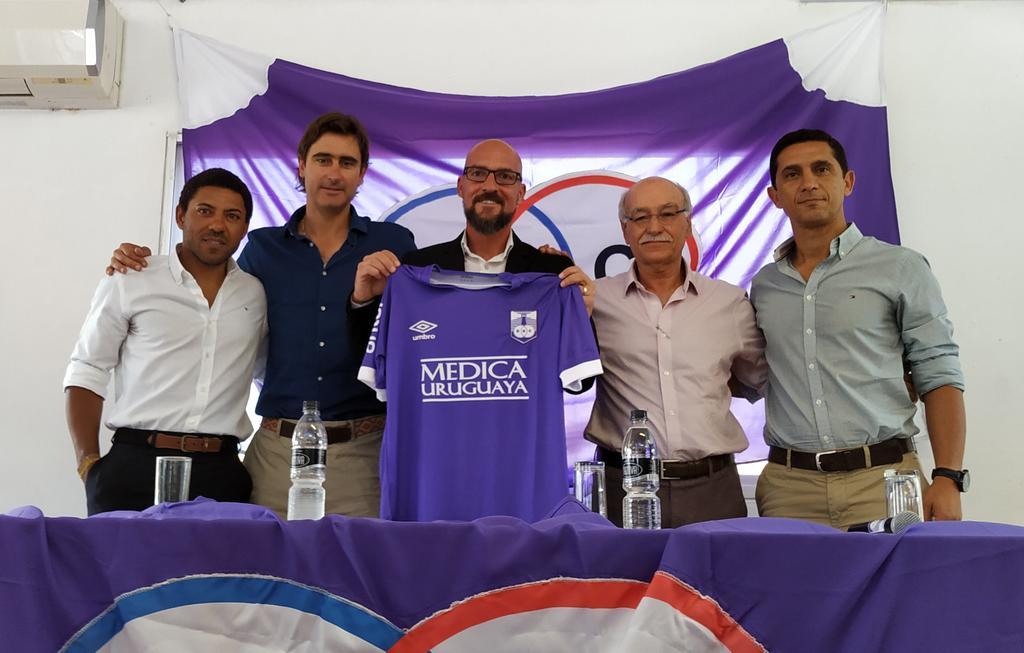 defensor-apresenta-oficialmente-o-seu-novo-tecnico-Futebol-Latino-26-12
