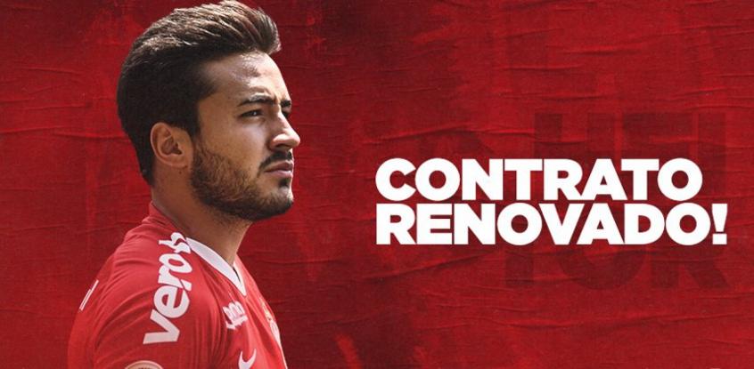 dono-da-lateral-direita-heitor-tem-contrato-renovado-pelo-internacional-Futebol-Latino-13-12