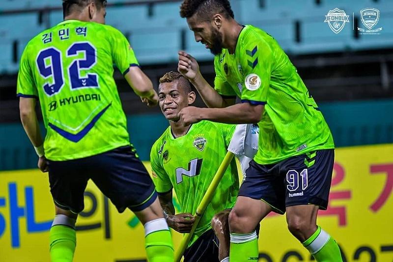 dupla-brasileira-comemora-titulo-da-k-league-em-final-emocionante-Futebol-Latino-01-12
