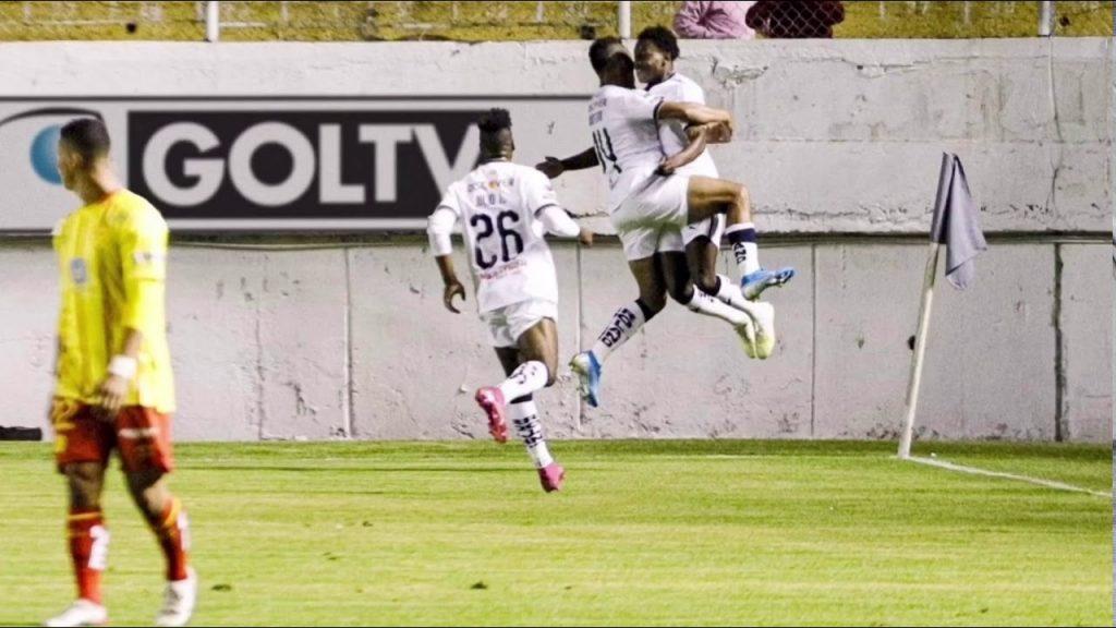 ldu-e-delfin-abrem-com-vitoria-a-semifinal-da-ligapro-Futebol-Latino-01-12