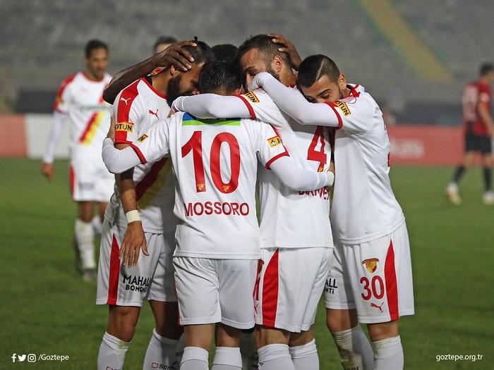 meia-brasileiro-marca-pela-primeira-vez-em-novo-time-na-turquia-Futebol-Latino-20-12
