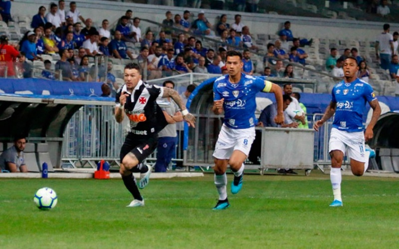vasco-vivera-situacao-curiosa-em-partida-diante-do-cruzeiro-no-brasileirao-Futebol-Latino-02-12