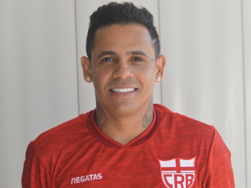 Elton Arabia Futebol Latino 07-01