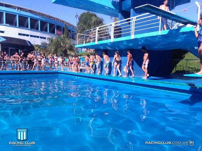 na-argentina-jovem-se-afoga-em-piscina-das-instalacoes-do-racing-Futebol-Latino-13-01