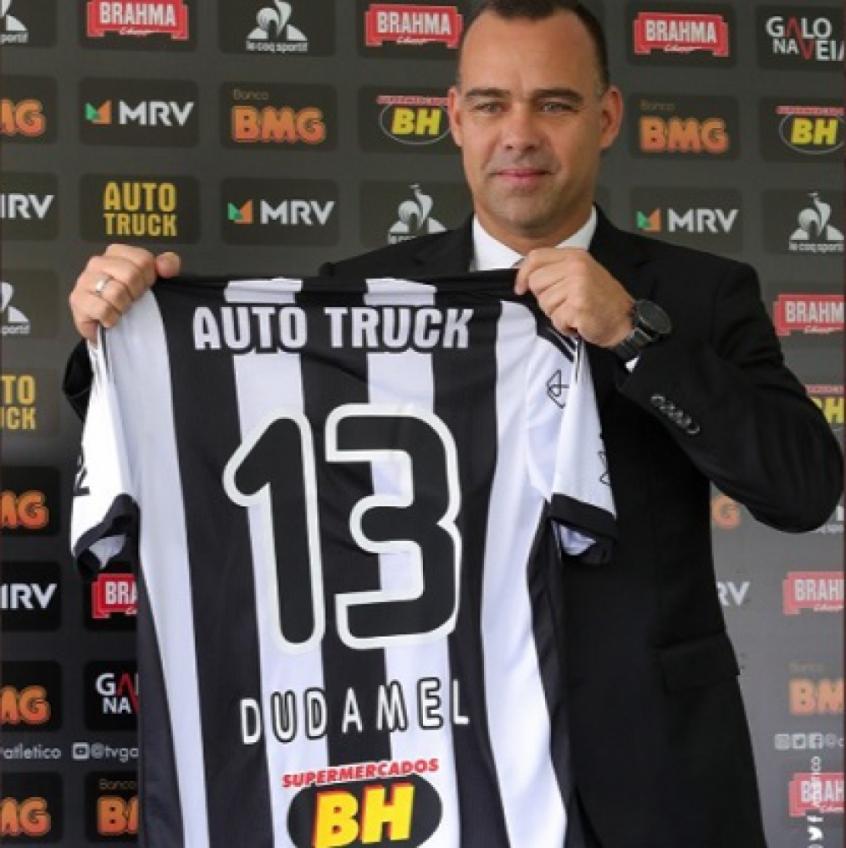 rafael-dudamel-e-apresentado-oficialmente-no-atletico-mg-Futebol-Latino-08-01