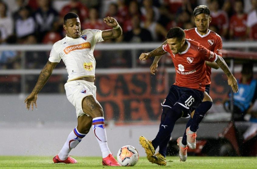 Independiente-Fortaleza-Sul-Americana-Futebol-Latino-13-02