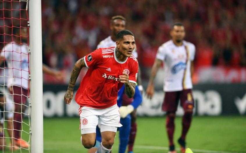 grenais-garantidos-inter-bate-o-tolima-no-beira-rio-e-vai-para-grupo-do-rival-na-libertadores-Futebol-Latino-26-02