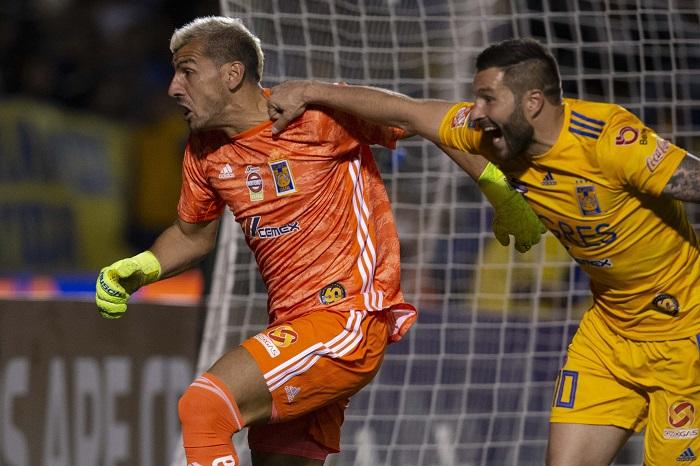 no-ultimo-minuto-tigres-se-classifica-com-gol-de-goleiro-na-concachampions-Futebol-Latino-27-02