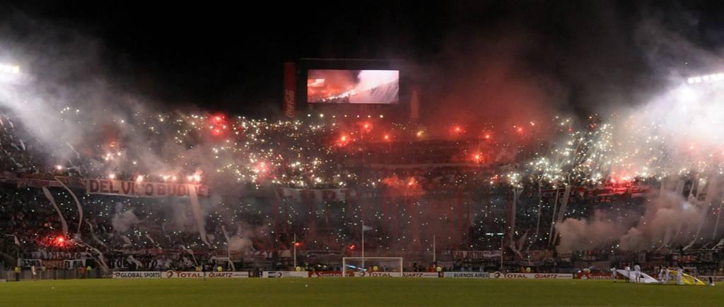 torcedor-do-river-plate-promete-festa-memoravel-no-monumental-de-nunez-Futebol-Latino-29-02