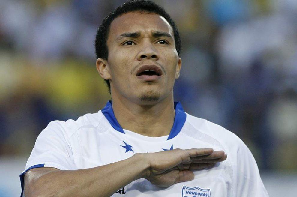 atacante-hondurenho-garante-ganhou-aposta-em-batidas-de-falta-contra-andrea-pirlo-Futebol-Latino-24-03