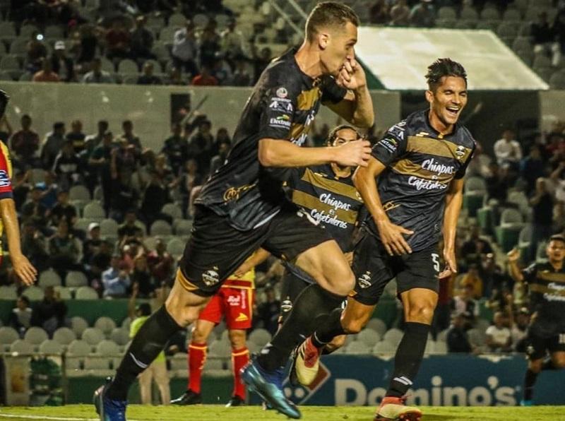 cria-da-base-do-gremio-fala-em-adaptacao-muito-boa-no-mexico-Futebol-Latino-04-03