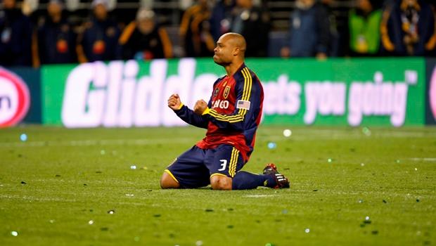 hoje-medico-ex-jogador-da-mls-faz-relato-sobre-combate-ao-covid-19-Futebol-Latino-31-03