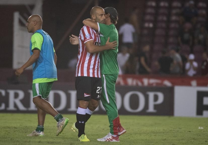 mascherano-perde-penalti-e-laferrere-surpreende-estudiantes-na-copa-argentina-Futebol-Latino-05-03