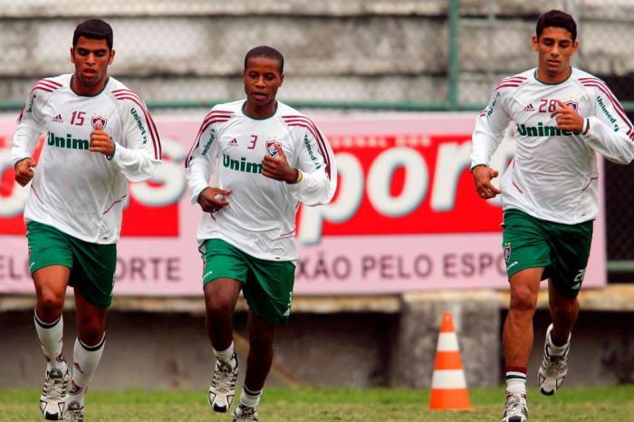 ha-15-anos-maicon-conquistava-seu-primeiro-titulo-profissional-Futebol-Latino-04-04