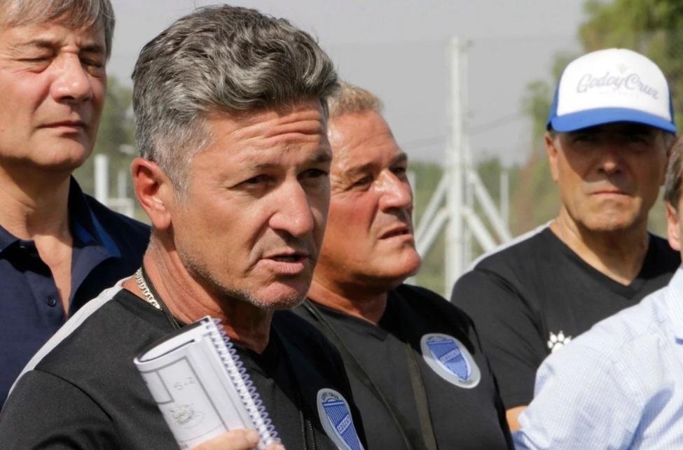 em-meio-a-pausa-dos-torneios-treinador-e-demitido-na-argentina-Futebol-Latino-15-05
