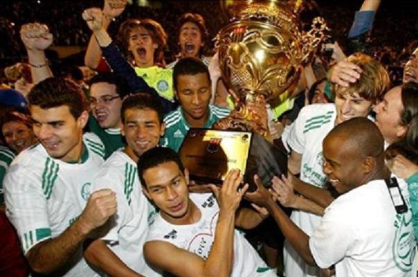 pierre-participa-de-live-e-relembra-titulo-pelo-palmeiras-ha-12-anos-Futebol-Latino-05-05