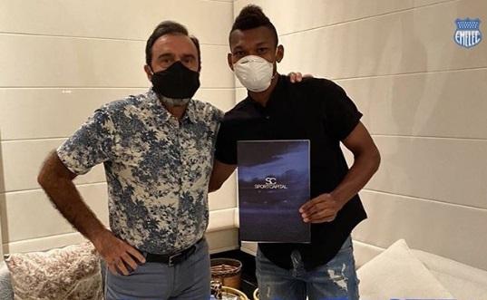 ex-fluminense-renova-contrato-para-seguir-no-futebol-equatoriano-Futebol-Latino-26-06