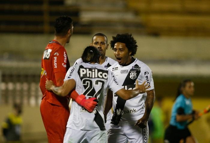 Osman Ponte Preta Futebol Latino Lance 29-07
