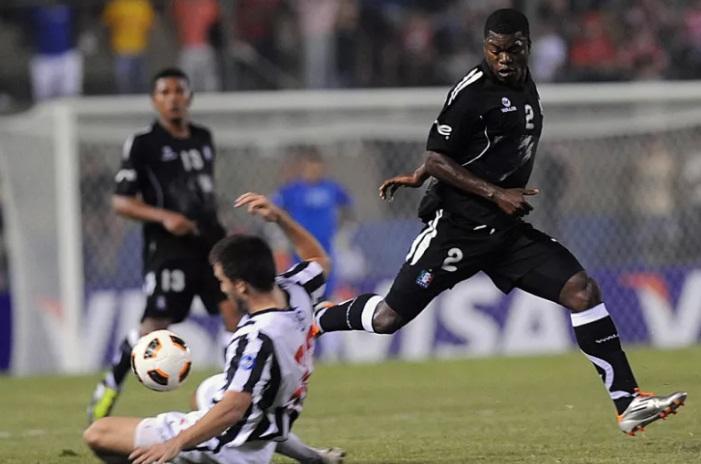 atacante-que-passou-pelo-futebol-europeu-e-baleado-durante-assalto-Futebol-Latino-23-07