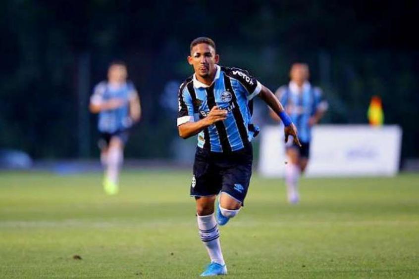 futebol-de-portugal-pode-levar-cria-da-base-do-gremio-Futebol-Latino-12-07