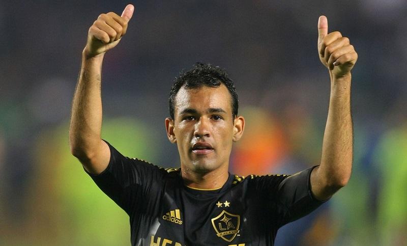 irmao-de-ricardo-goulart-meia-juninho-se-aposenta-aos-31-anos-Futebol-Latino-02-07