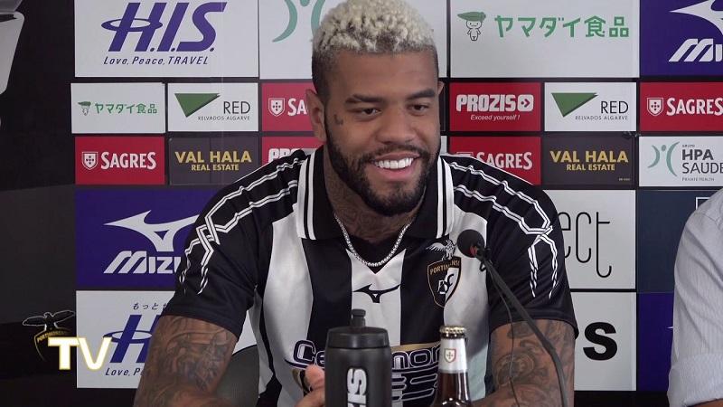 jogador-emprestado-pelo-sao-paulo-comemora-nova-vitoria-em-portugal-Futebol-Latino-02-07