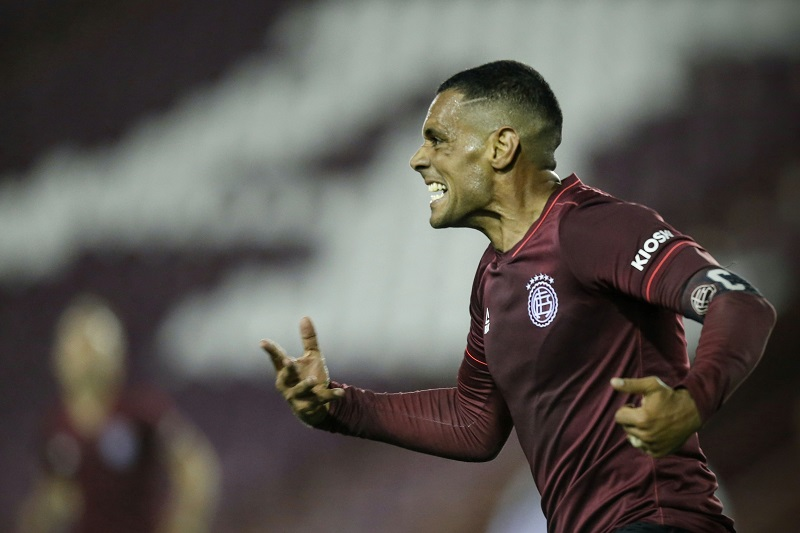 atacante-do-lanus-estabeleceu-recorde-na-copa-sul-americana-Futebol-Latino-28-10