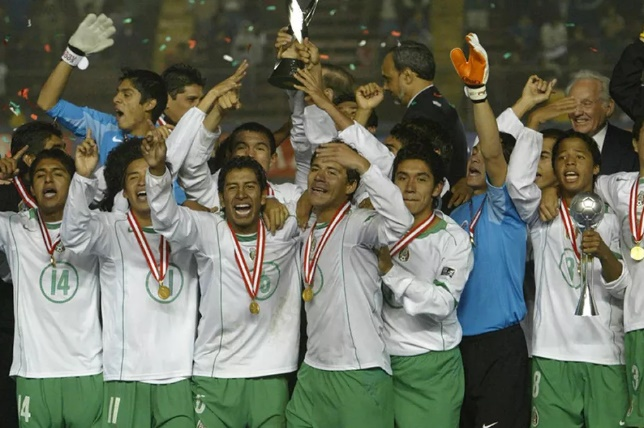 ha-exatos-15-anos-mexico-obtinha-conquista-memoravel-Futebol-Latino-02-10