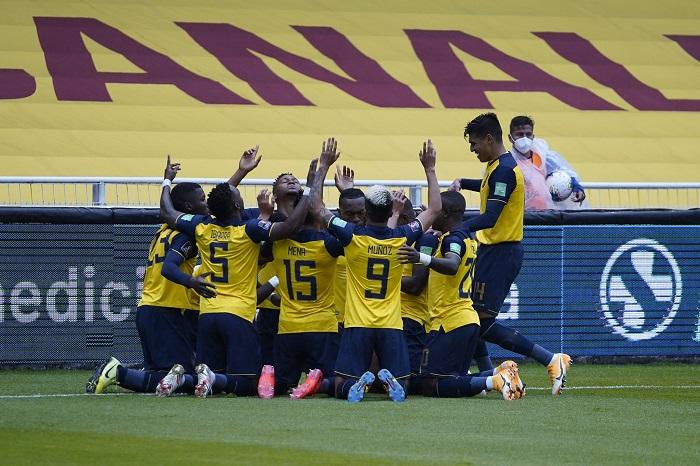 Equador-Colombia-Eliminatórias-Futebol-Latino-Lance-17-11
