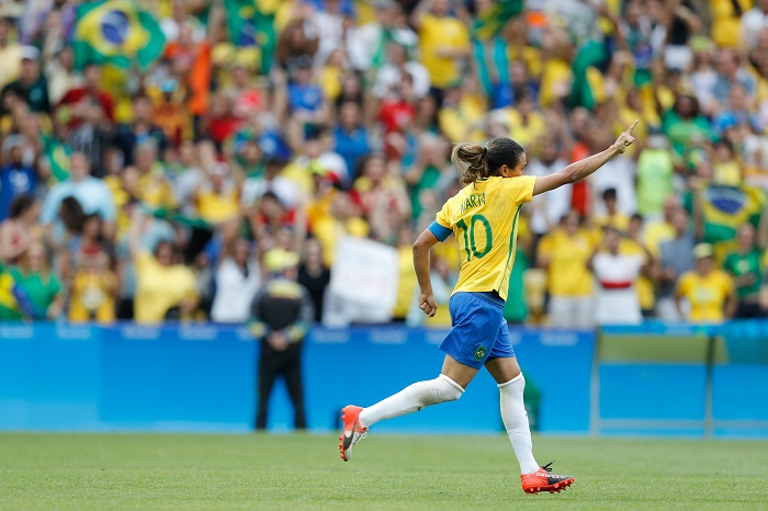 futbolera-livro-traca-historia-do-futebol-feminino-na-america-latina-futebol-latino-26-11
