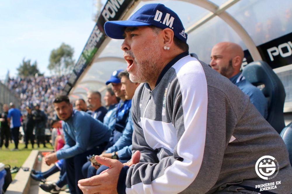 maradona-apresentou-momentos-de-confusao-depois-da-cirurgia-Futebol-Latino-06-11