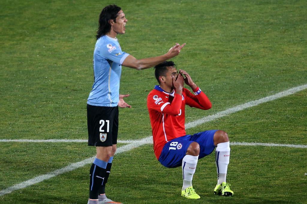 relembre-quando-havia-ocorrido-a-ultima-expulsao-de-cavani-Futebol-Latino-18-11