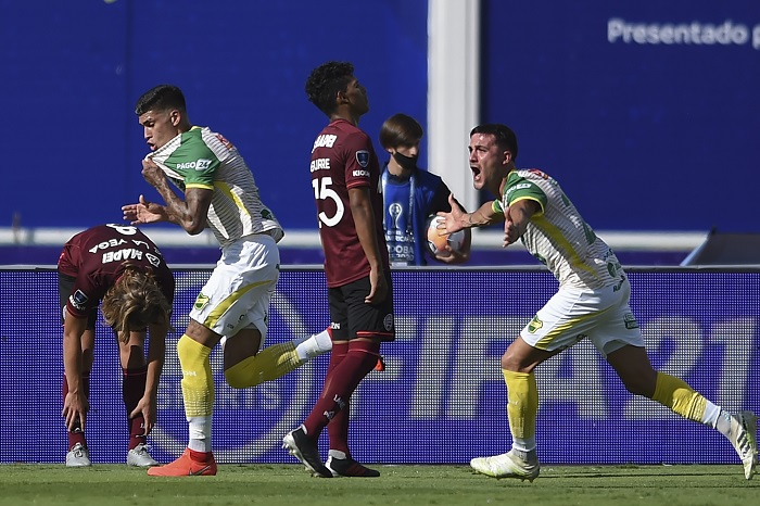 Defensa Y Justicia Espera Por Palmeiras Ou Santos Na Final