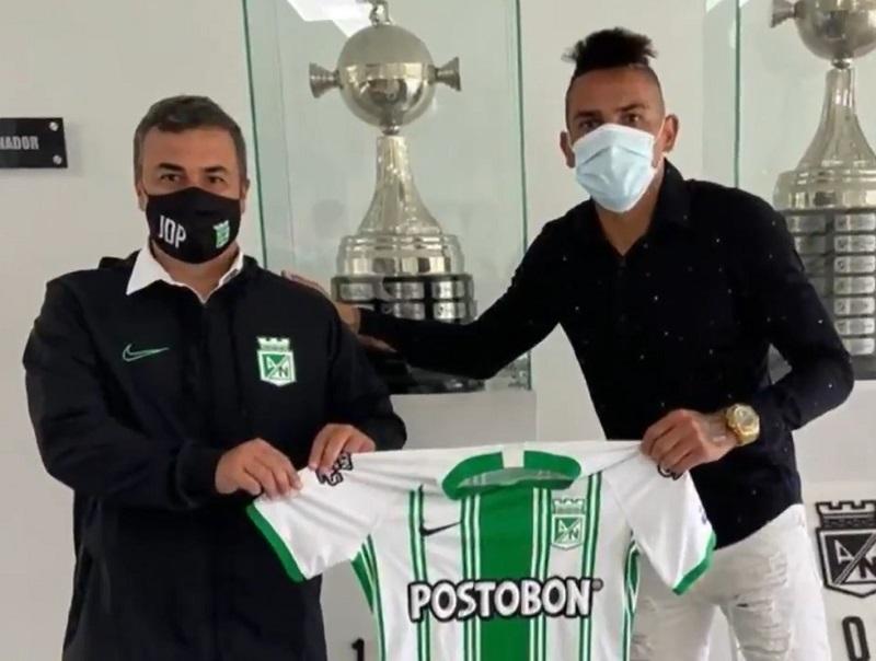 apos-polemica-em-aviao-jonatan-alvez-e-oficializado-pelo-atletico-nacional-Futebol-Latino-09-01