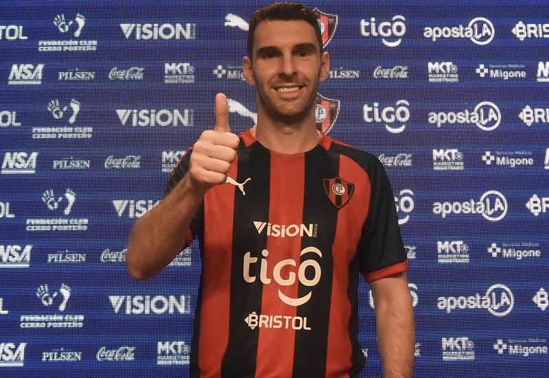 cerro-porteno-contrata-o-atacante-argentino-mauro-boselli-Futebol-Latino-14-01