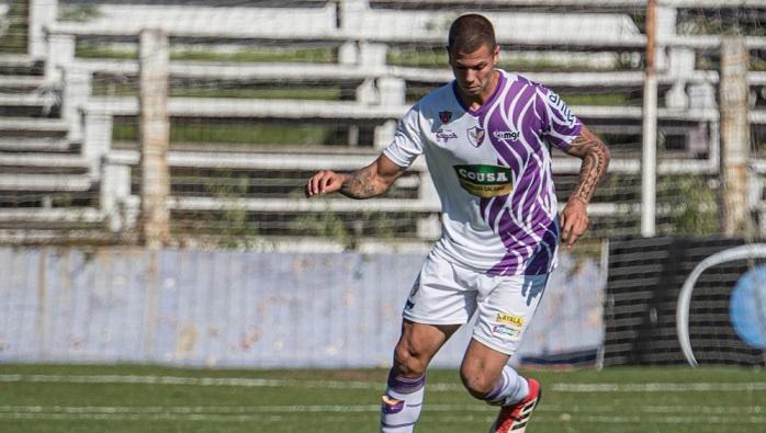 ele-chegou-a-largar-o-futebol-mas-hoje-pensa-em-selecao-uruguaia-Futebol-Latino-02-02